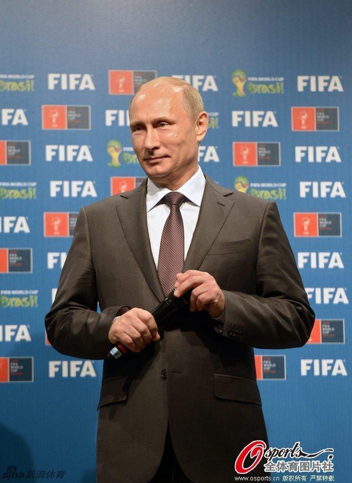 """""""接力棒""""交给了2018年世界杯主办国俄罗斯.【[世界杯决赛]德国1"""