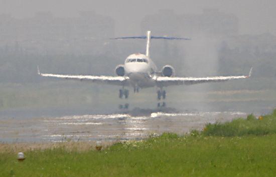 第二架arj21-700飞机起飞