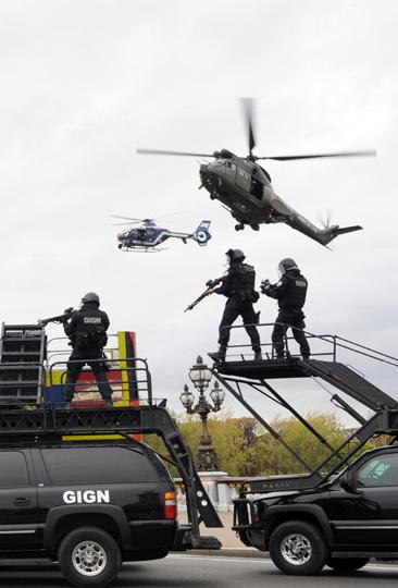 10 飞机 直升机 366_540 竖版 竖屏