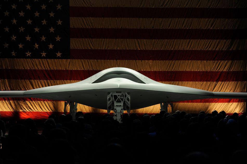 星球大战:美国海军首款航母起降X-47B隐形无人机(变形金刚)
