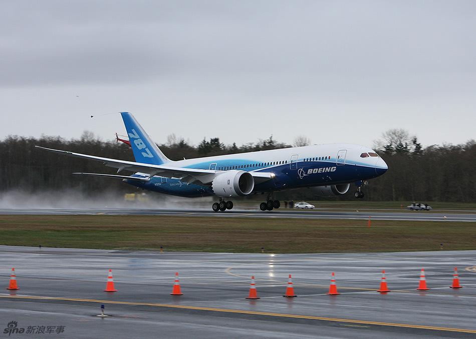 波音787梦想客机首次试飞成功,非常豪华
