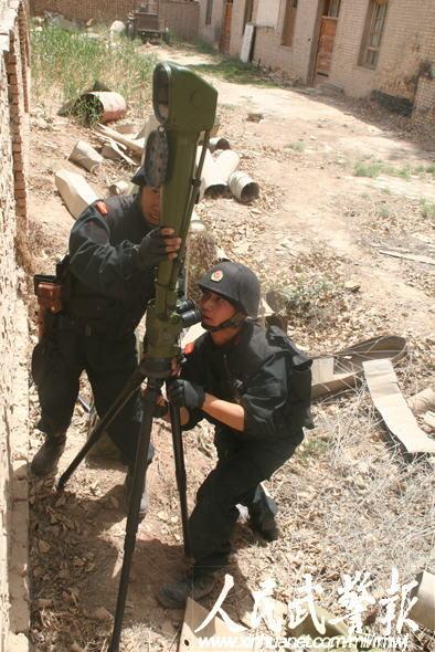 新疆武警设置复杂情况检验特战分队战斗能力[6P]