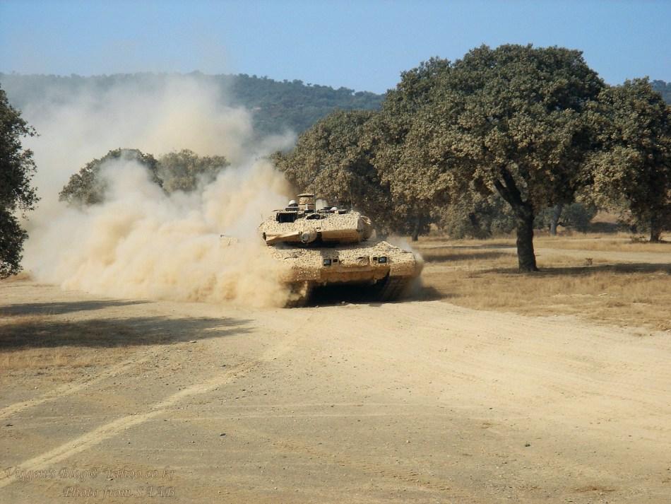 高清大图  瑞典STRV-122主战坦克装备多光谱伪装系统[9P]