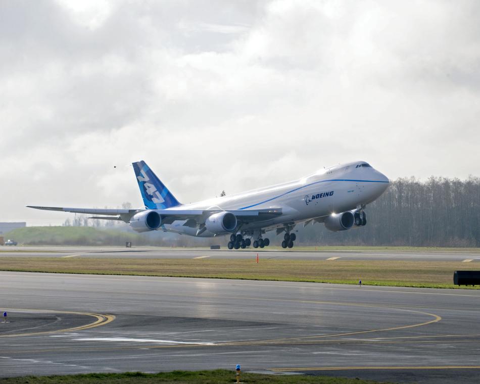 波音747起飞油耗 波音747起飞时大概用多少油?