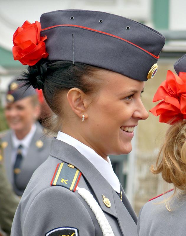 俄罗斯漂亮女警方队准备亮相胜利日阅兵式