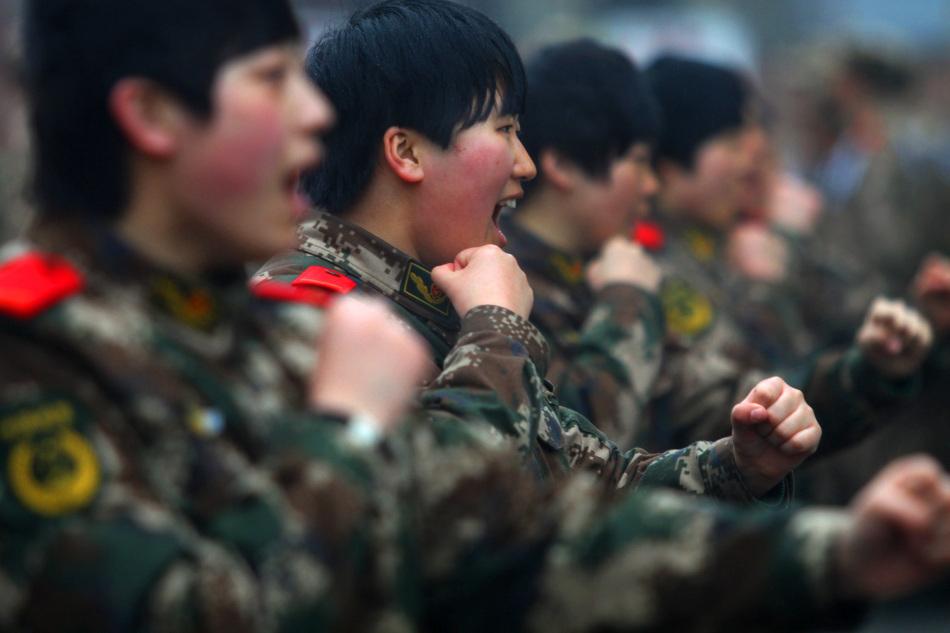 辽宁公安边防总队教导大队新训队女兵排,由14名90后大学毕业和大专图片