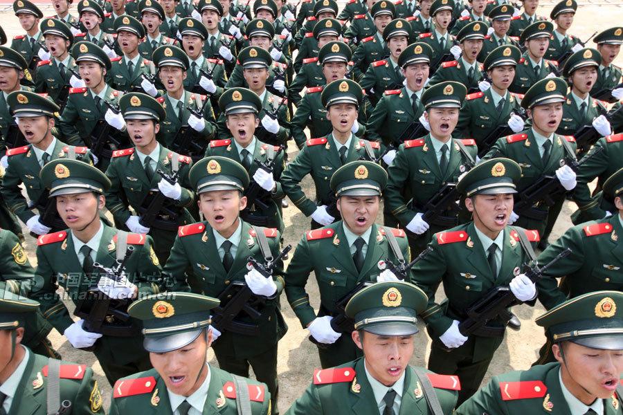 4月6日,武警浙江省总队驻杭部队举行新兵训练阅兵式.当天,千余名图片