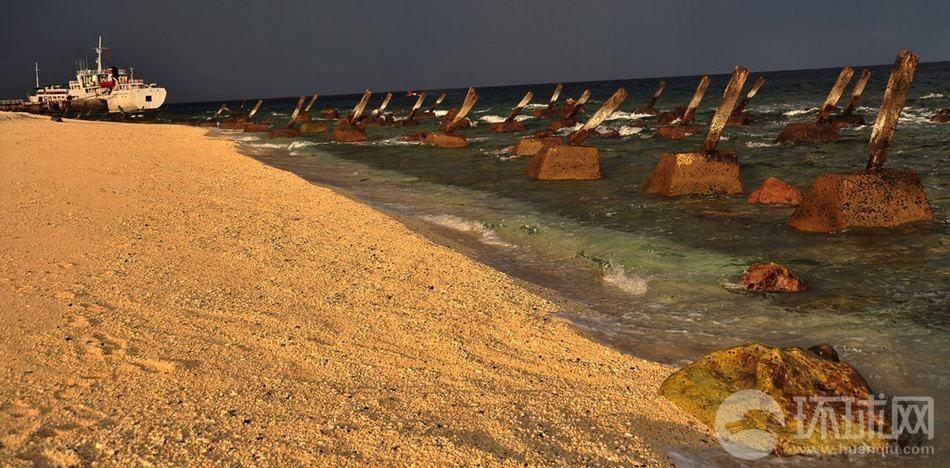 越南在中国南海南沙群岛岛礁上设置的反登陆障碍