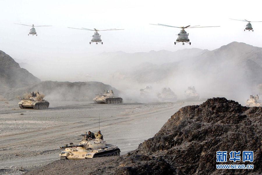 直升机与装甲部队联合机动