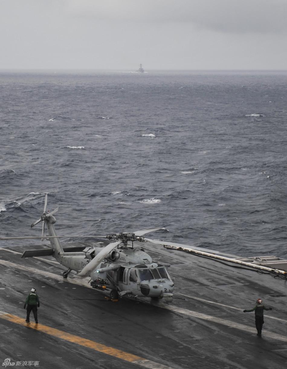 美国海军两艘航空母舰同时现身南海