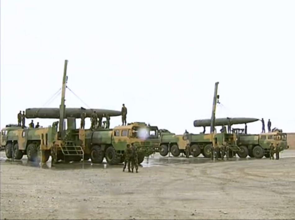 Для запуска транспортного средства подъема тактический ракетный