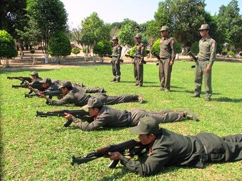 步兵战士和侦察、特种部队的训练组图.-老挝特种兵训练秘照曝光 图片