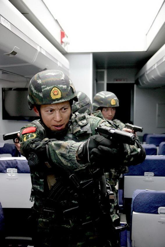 """突击队""""前身是武警特警学院的特种部队,成立于1982年,是已公开图片"""