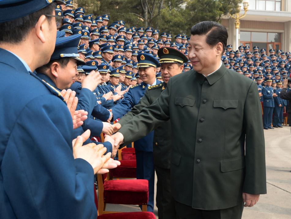 向武警部队全体官兵致以节日的问候.这是习近平在武警北京市总队图片