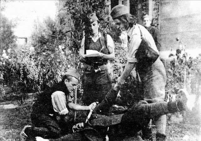 """而在二战期间,各国涌现出众多的\""""带路党\"""".切特尼克(Chetniks)"""