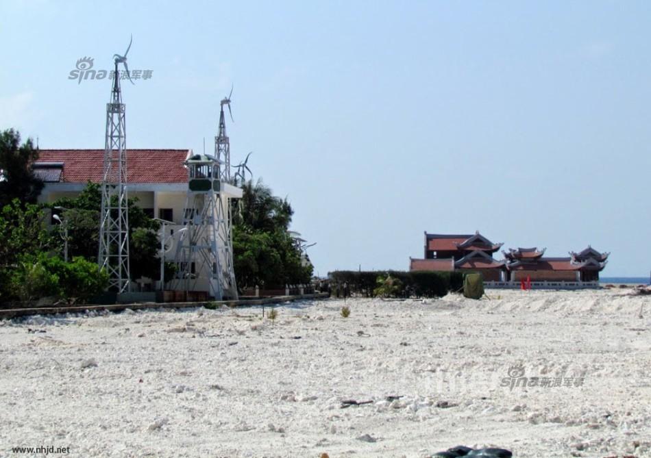 越南扩建南海侵占中国的岛礁!