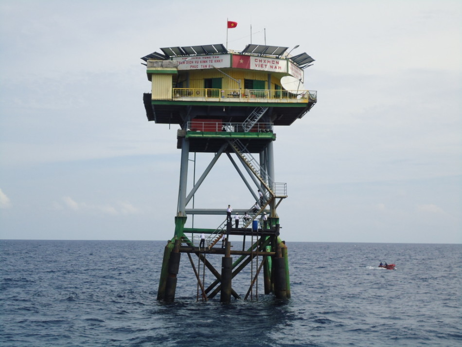 广雅滩越南搭建的高脚屋