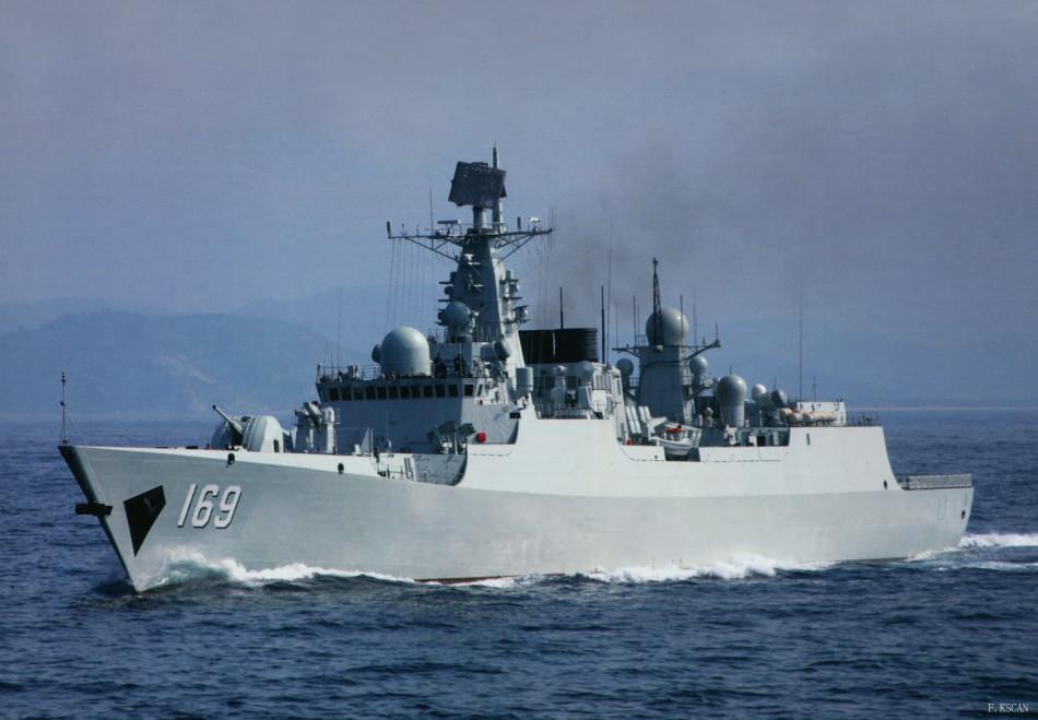 海军052B级驱逐舰169舰出动