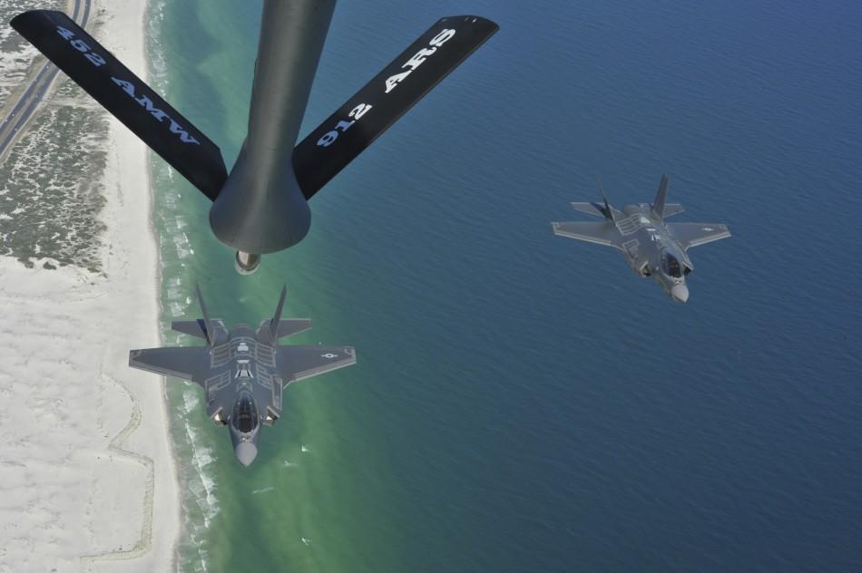 F-35战机空中加油