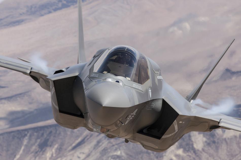 美国可能推出核战版F-35战机 配B61制导核弹