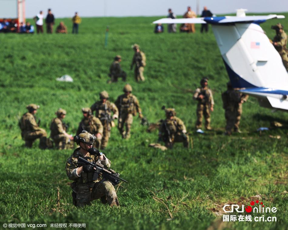 美国联军飞机紧急降落伊拉克