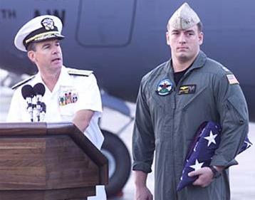 当年南海撞机撞掉王伟的美军飞行员今何在?(组图)