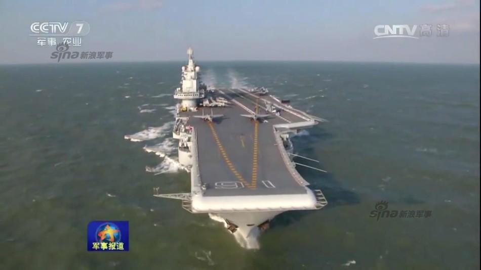 飞升空,开展了空中加受油,空中对抗等多项训练任务.海军司令员图片