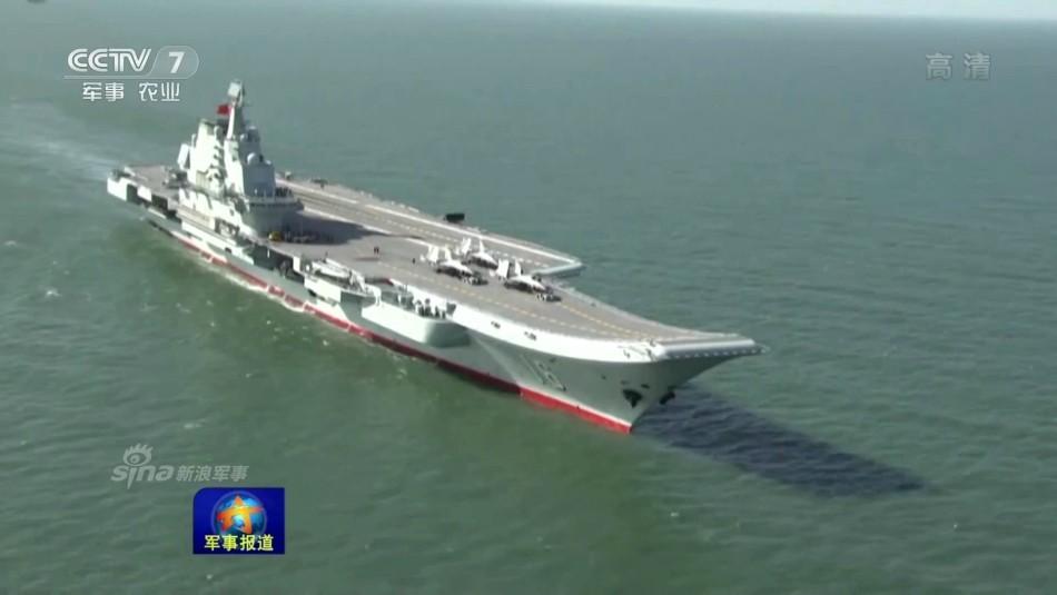 """号退役以后,""""福特""""号服役以前,美国海军拥有10 艘现役航母,但图片"""