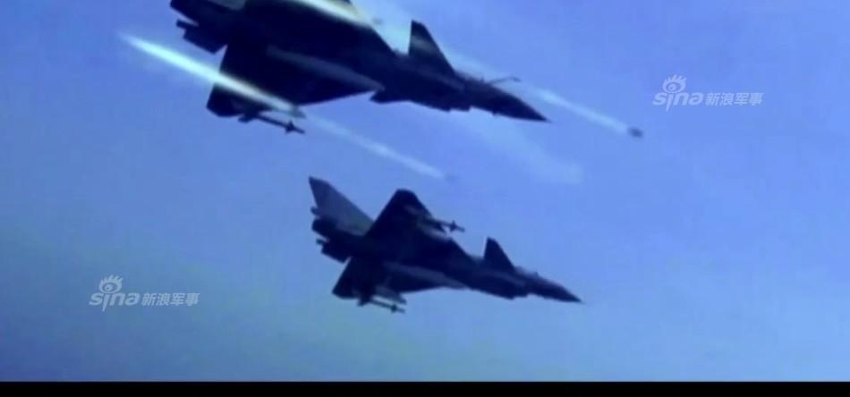 """卡尔·文森""""号航空母舰战斗群,目标可能是驶入中国在南沙群岛、"""