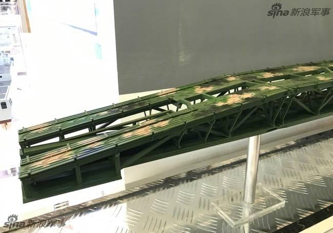 架桥车霸气!中国武器现身航展
