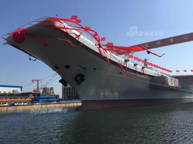 巨龙入海:国产航母下水!