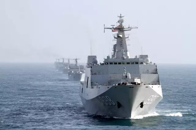 列阵!中国十艘登陆舰南海演习