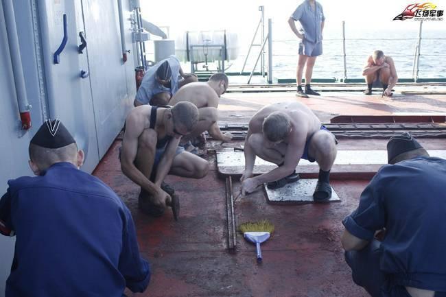 乌克兰海军旗舰竟如此残破!