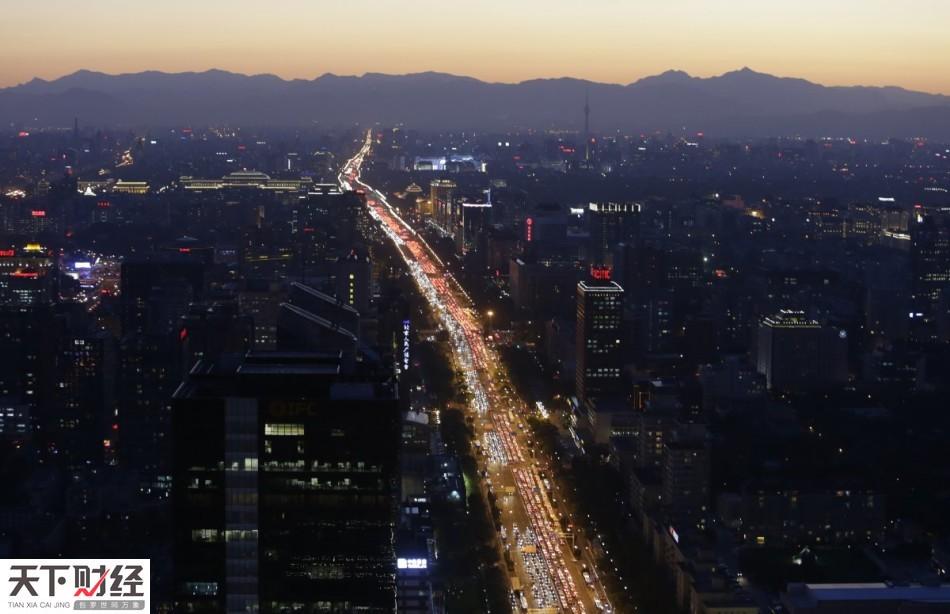 拥有全世界最多的人口,分布高度不平衡,再加上不断加速的城市