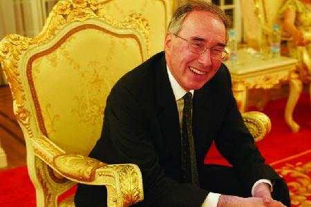 专访英国驻华大使欧威廉