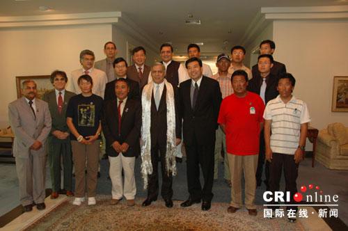 巴基斯坦总理会见中国西藏登山队(组图)