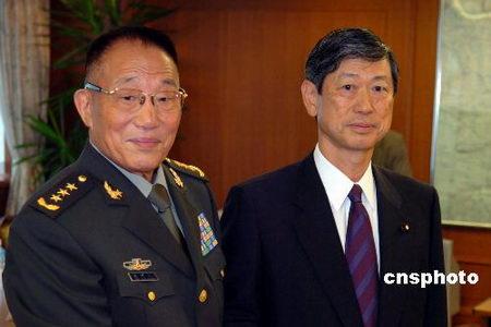 曹刚川与日本防相会谈望日认识台湾问题敏感性