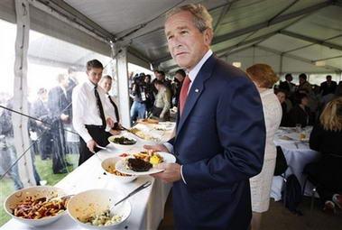 布什访澳大利亚不忘谈论美食:我爱吃肉(图)