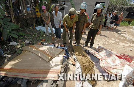 越南在建大桥坍塌至少60人死亡(组图)