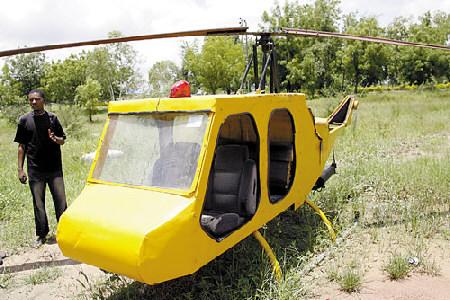 尼日利亚小伙自制直升机 发动机来自二手车图片