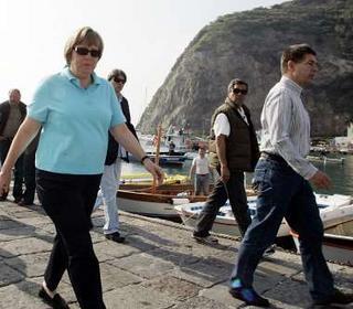 德国总理与丈夫共赴意大利度假(组图)