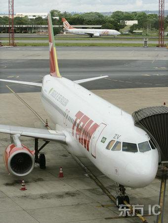 图文:tam航班的空中客车飞机