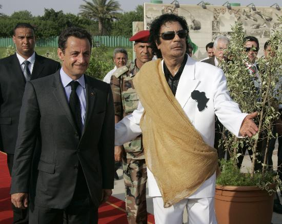 图文:萨科齐出访利比亚