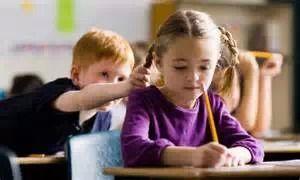 遭遇强势美国家长:新移民小男孩的校园风波