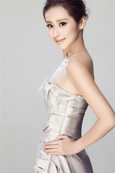 新浪娱乐讯 7月22日,由颖儿[微博]担当女主角的35集电视剧《欢天