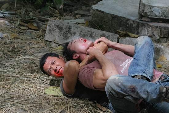 资料图片:《导火线》剧照--殊死搏斗