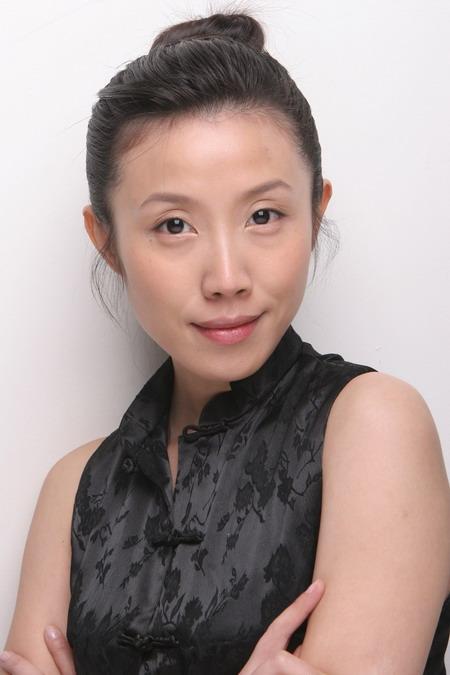 资料图片:胡靖钒精美写真--清丽自信