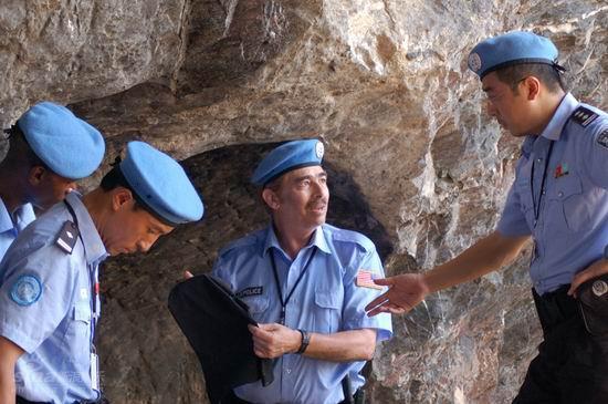 资料图片:《中国维和警察》精彩剧照(4)