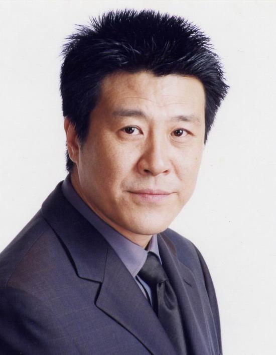 艺术 总监 吕 凉 上海 话剧 艺术 中心 艺术 总监