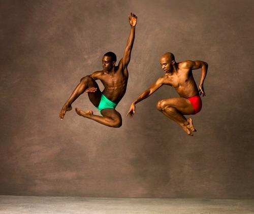 """现代芭蕾舞团""""阿尔文艾利""""舞影风采再现京城"""